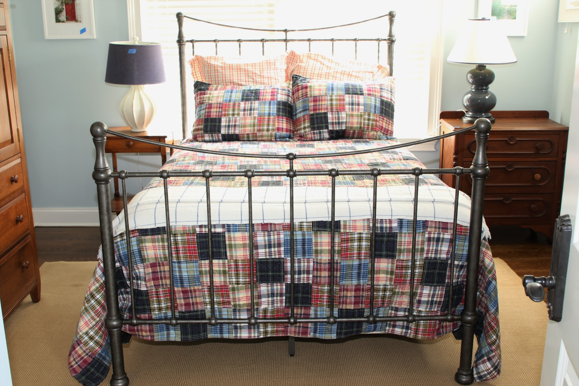 Ethan Allen Danby Full Size Bed With Mattress Bedding And