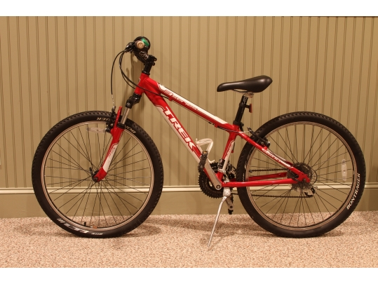Trek 3 Series Red Mountain Bike With Shocks And Alpha