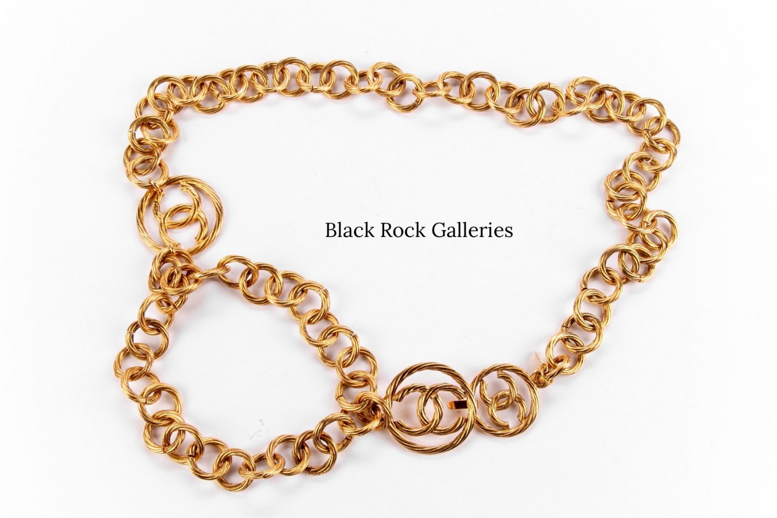 Classic Chanel chain belt with gold-tone